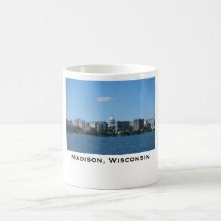 Taza del horizonte de la luz del día de Madison