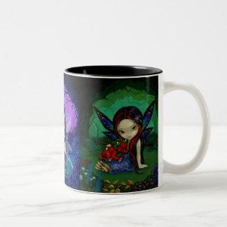 """""""Taza del jardín de Dragonling"""" Taza Dos Tonos"""