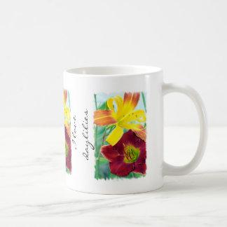 Taza del jardín de los Daylilies