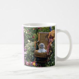 Taza del jardín de Shih Tzu