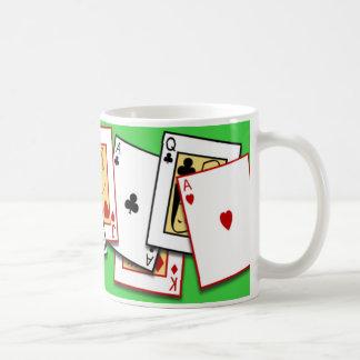 Taza del juego de tarjeta