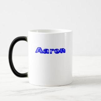 Taza del jugo de los tonos de Aaron dos