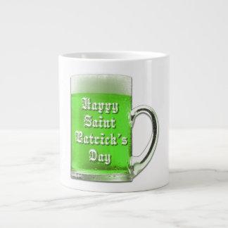 Taza del jumbo de la cerveza del verde del día de  taza extra grande