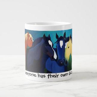 Taza del jumbo del caballo de la bella arte del án