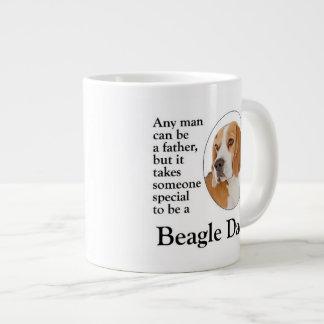 Taza del jumbo del papá del beagle