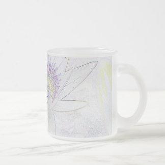Taza del lirio de agua