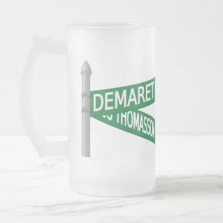 Taza del logotipo de Demaret 3D grande