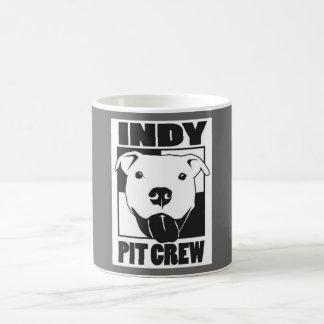 Taza del logotipo del equipo en boxes de Indy