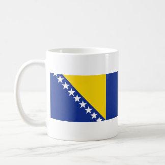 Taza del mapa del ~ de la bandera de Bosnia y Herc