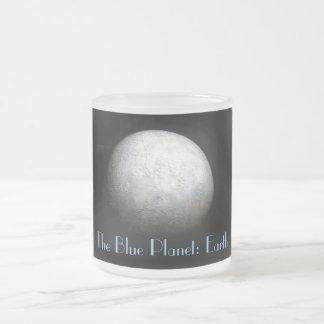 Taza del modelo de tierra del planeta