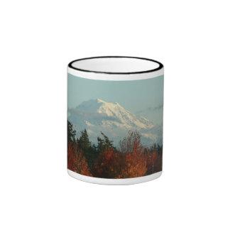 Taza del Monte Rainier del otoño