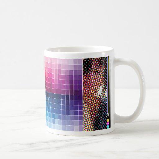 Taza del mosaico del color