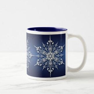 Taza del navidad del copo de nieve del día de fies