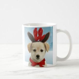 Taza del navidad del perrito del reno
