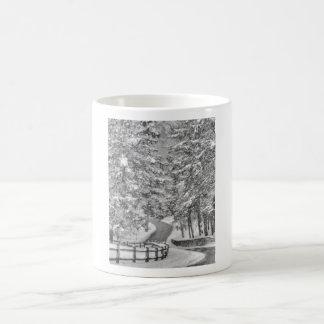Taza del país de las maravillas del invierno