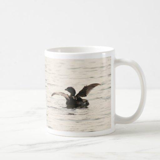 Taza del pájaro del Grebe de los humedales