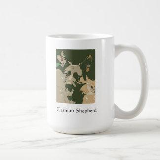 Taza del pastor alemán de Camoflage