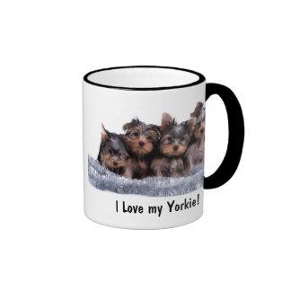 Taza del perrito de Yorkshire Terrier