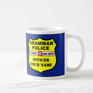 Taza del personalizable de la policía de la gramát