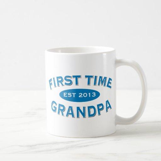 Taza del personalizable del abuelo de la primera v