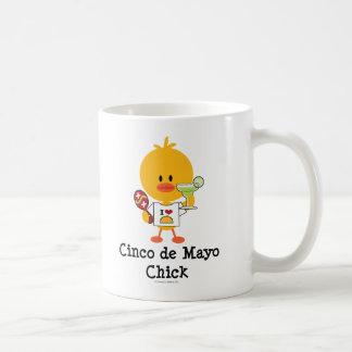 Taza del polluelo de Cinco de Mayo