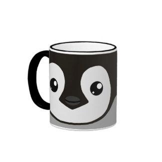 Taza del polluelo del pingüino de emperador