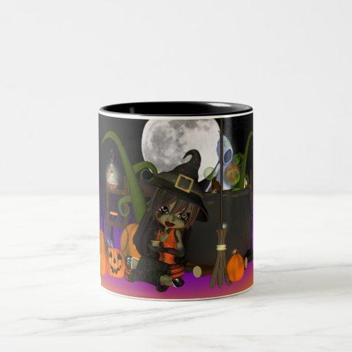Taza del regalo de Halloween con la pequeña bruja