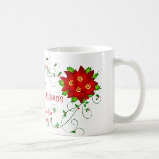 Taza del regalo de Pointsettia de las Felices Navi