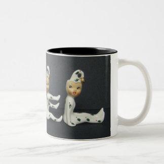 Taza del té del café del navidad del duende de