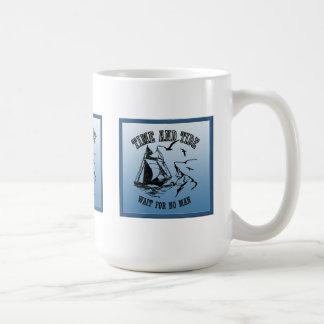 Taza del tiempo y de la marea del marinero del