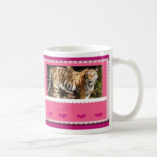 Taza del tigre de la tarjeta del día de San Valent