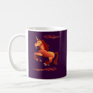 Taza del unicornio del fuego y del relámpago