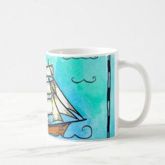 Taza del velero del pirata del bergantín