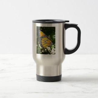 Taza del viaje de la mariposa de monarca