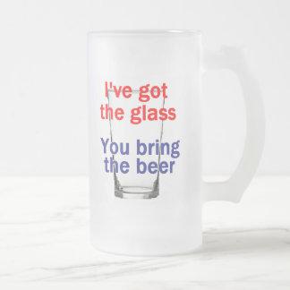 Taza del vidrio de cerveza