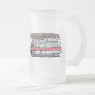 Taza del vidrio esmerilado de la ambulancia