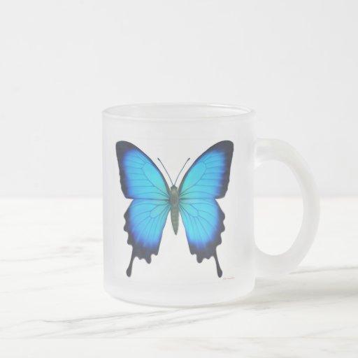 Taza del vidrio esmerilado de la mariposa de Papil