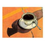 Taza del vintage de café, platillo, cuchara con la postal
