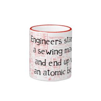 Taza divertida de la cita del ingeniero