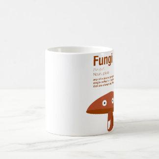 Taza divertida de los hongos