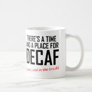 Taza divertida del enemigo del café del Decaf