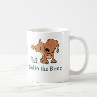 Taza divertida del perro: Malo al hueso