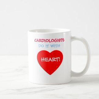 Taza divertida del regalo del cardiólogo