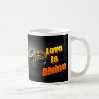 Taza divina de la obra clásica del amor