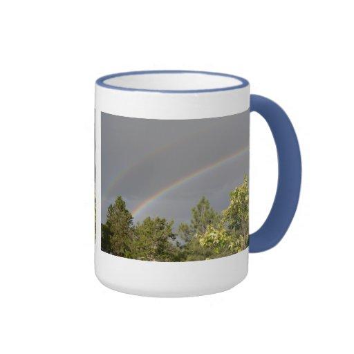 Taza doble del arco iris