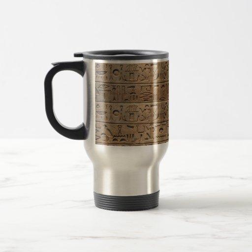 Taza egipcia antigua del diseñador de los jeroglíf
