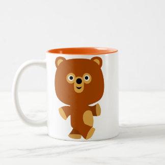 Taza enérgica linda del oso del dibujo animado