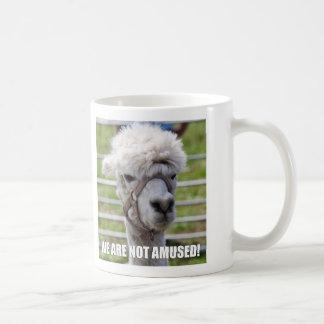 Taza enfadada de la alpaca