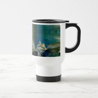 Taza enrrollada de los pescados de las vibraciones
