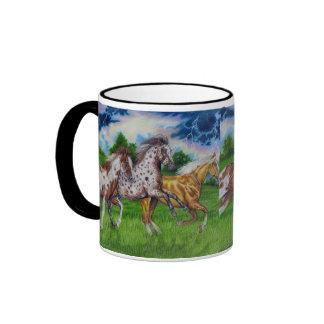Taza equina del caballo del arte de la manada del